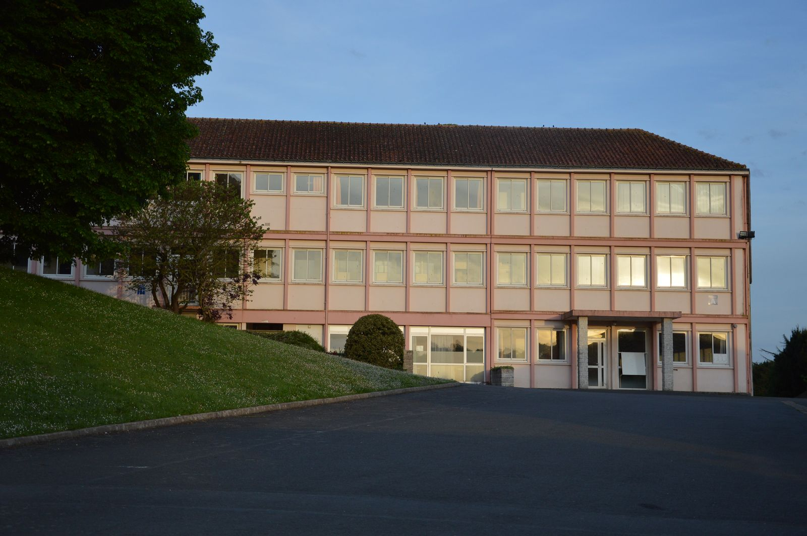 Lycée Charles Peguy